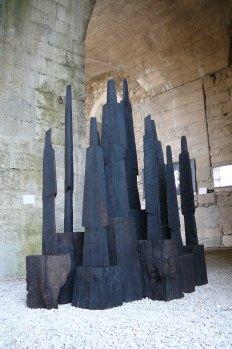 Les Gardeurs, installation 12 pièces uniques, chêne, 2012