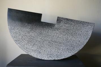 Forme Simple I- Tilleul,pigments,chaux, Ht 26 x L52cm,pièce unique, 2019
